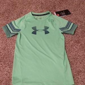 New UA T-shirt size Medium